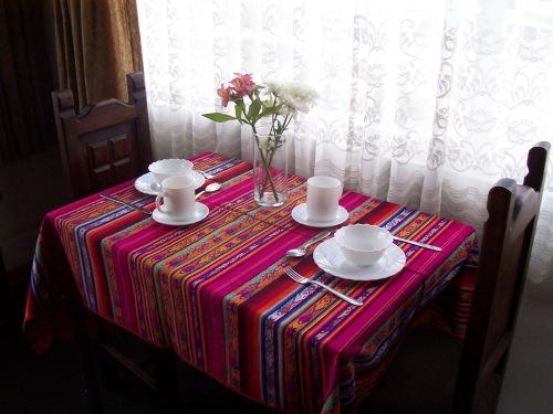 2 Mesa con platos