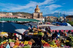 Otavalo-fruit-vegetable-traditional-market